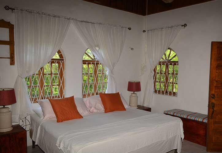 cozy-coco-rooms-3-bedroom-master